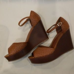 BR Wedge heels